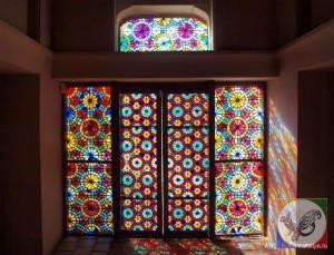 پنجره ارسی شیشه رنگی