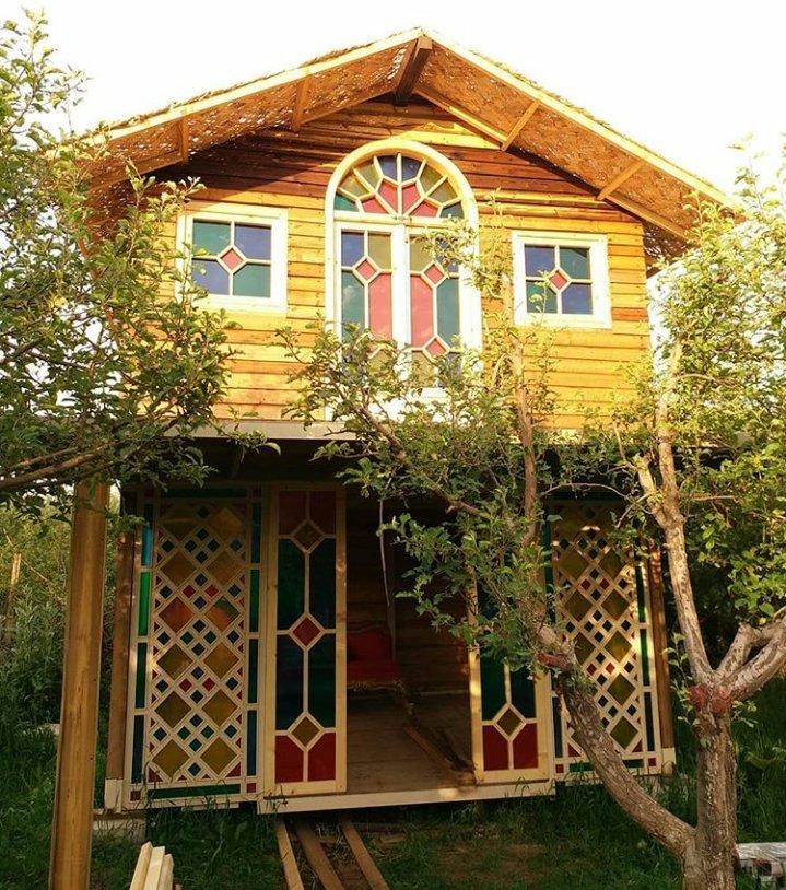 ساختمان چوبی دو طبقه