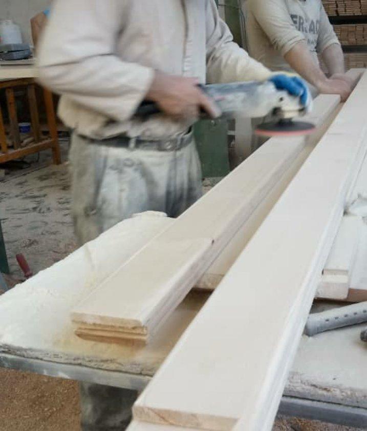 زهوار درب و نمای چوبی ساختمان