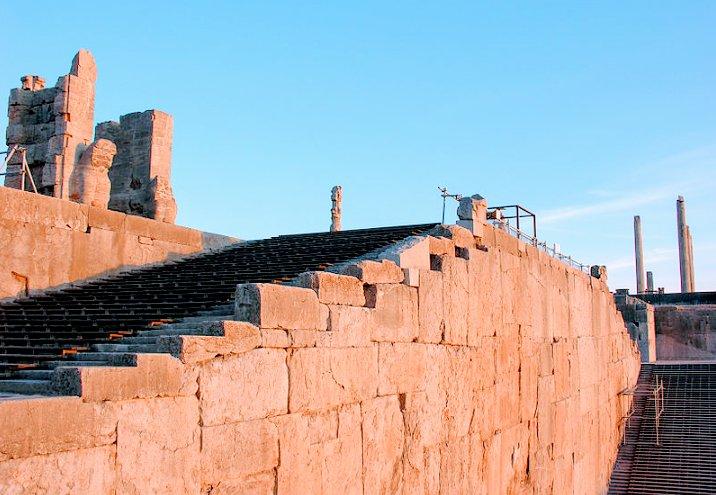 پله در دوره هخامنشی