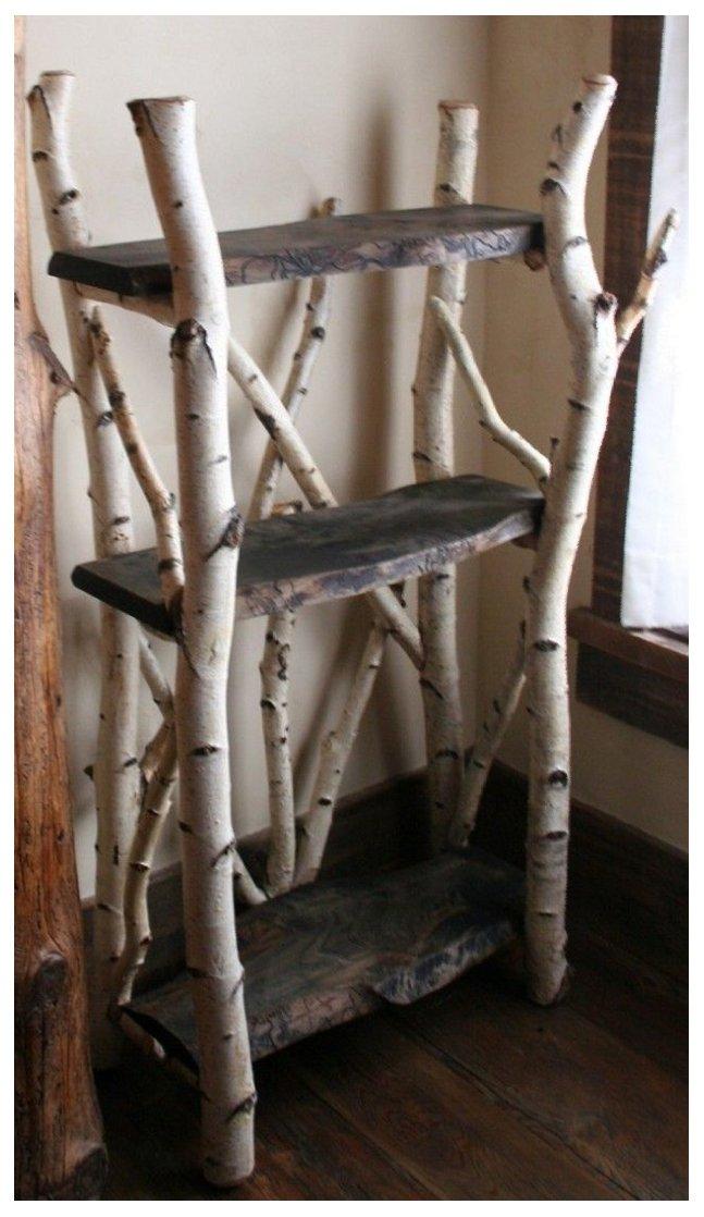 قفسه چوبی ساخته شده از شاخه درختان. صفحات چوبی