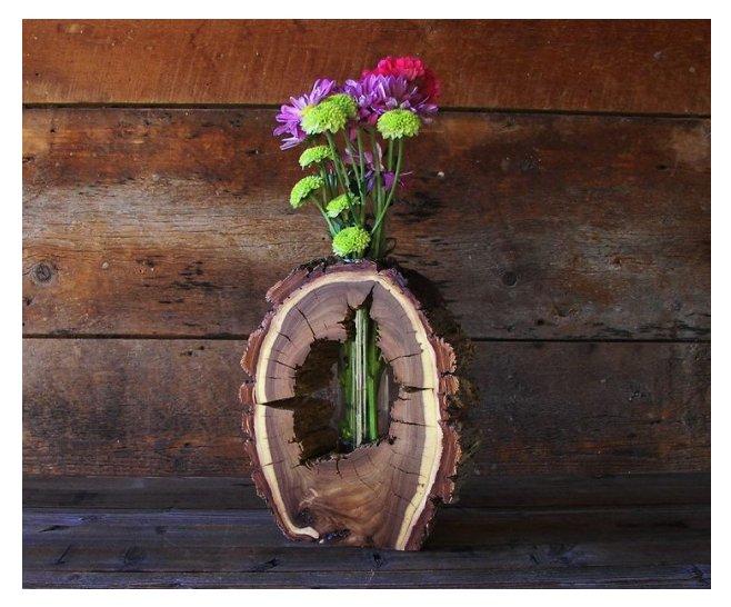 گلدان چوبی ساخته شده از یک تنه درخت ظریف و جالب