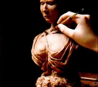 تندیس یک زن ، اثر هنری از مجسمه سازی با چوب