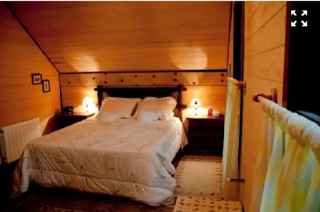 اتاق خواب سبک روستیک، دکوراسیون چوبی، کلبه چوبی
