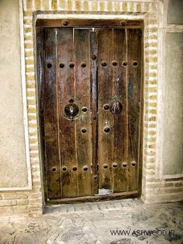 عکسهای درب چوبی قدیمی درب چوبی اتاق قدیمی