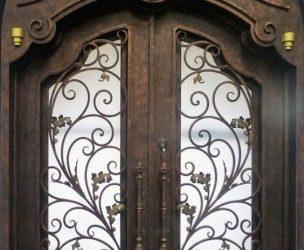 نمونه درهای چوبی دو لنگه با فرفورژه