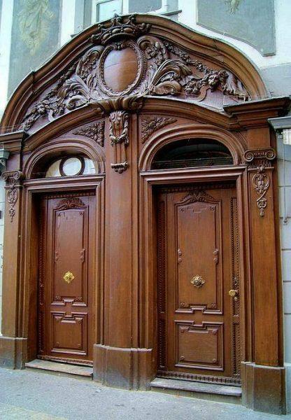 درب ورودی سبک کلاسیک تمام چوب لوکس