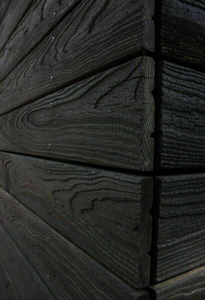 رنگ چوب روس، رنگ کاری چوب، سندبلاست و پتینه روی چوب