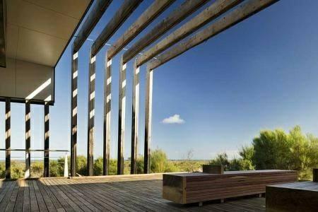 چوب ترمووود در نمای ساختمان , ترمو کفپوش و تیر چوبی ترمووود در فضای باز
