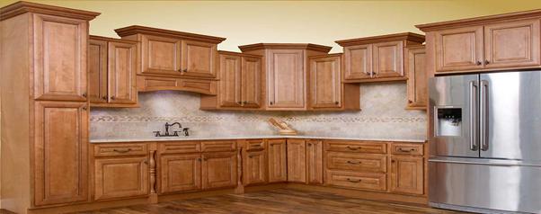 آشپزخانه مجهز به کابینت چوبی با جلوه ای زیبا