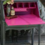 میز تحریر چوبی به رنگ مگنتا