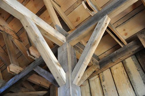 دانستنی هایی راجع به چوب درخت اکالیپتوس -  ساخت سازه های پشتیبان با چوب اکالیپتوس