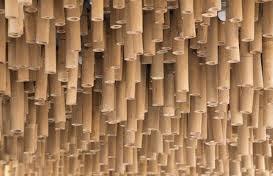 سقف تزئین شده با چوب های بامبو
