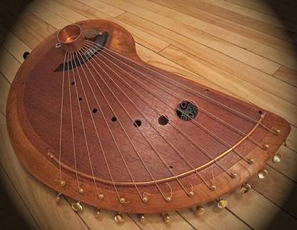نمونه ای از آلات موسیقی چوبی