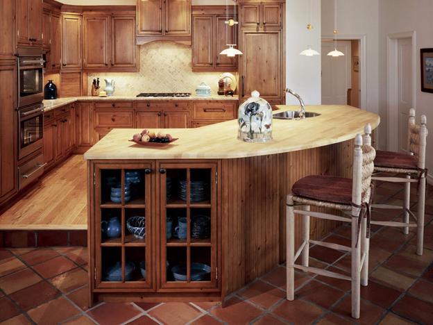 ساخت انواع کابینت آشپزخانه با استفاده از چوب کاج