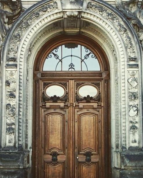 عکس درب چوبی قدیمی زیبا