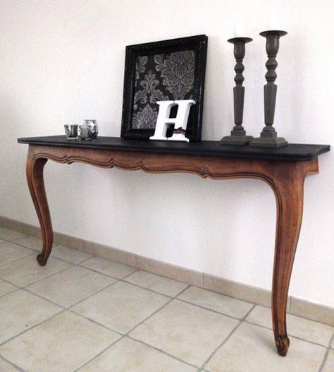 میز کنسول با دو پایه S شکل، طرحی کلاسیک و پرطرفدار