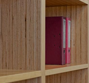 چوب های فینگر جوینت، قفسه ساخته شده از چوب های فینگر جوینت