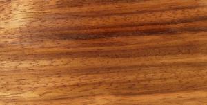 چوب درخت Tchitola از مناطق گرمسیری غرب آفریقا است.