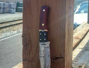 دسته چاقو ساخته شده از چوب پادوک