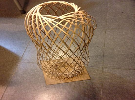 مدل بسیار ظریف و دقیق ساخته شده از چوب بالسا
