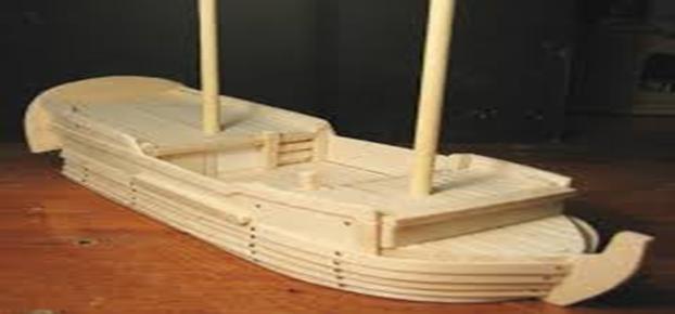 ماکت کشتی ساخته شده از چوب درخت بالسا