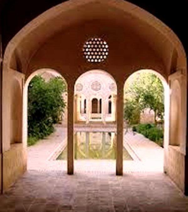 معماری پایدار در خانه عباسیان کاشان