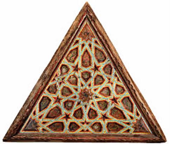 پانل های سقف مثلثی با طرح های هندسی