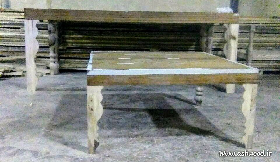 میز چوبی با پایه خراطی