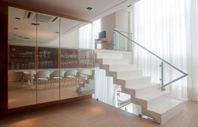کمد با درب آینه، دکوراسیون چوبی هایگلاس چوبی
