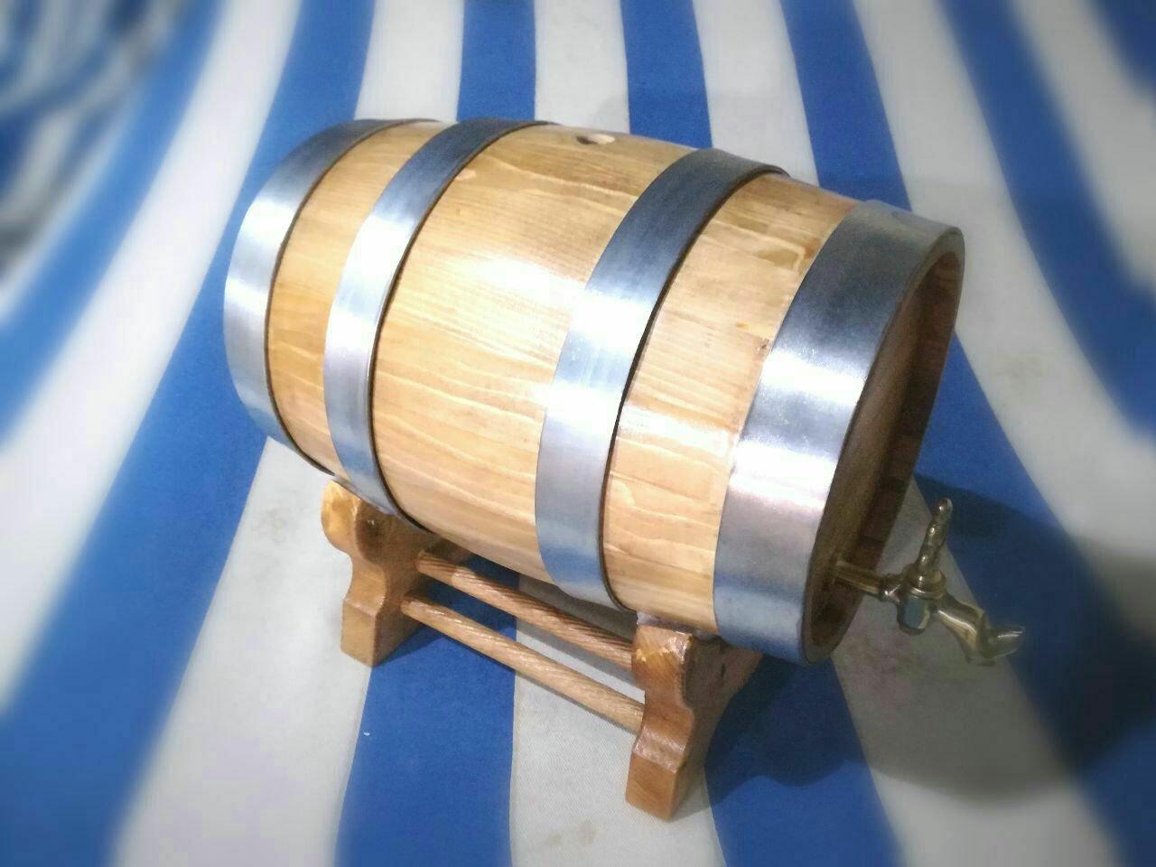 بشکه چوب کاج با تسمه فولادی، نمونه کار دکوراسیون داخلی