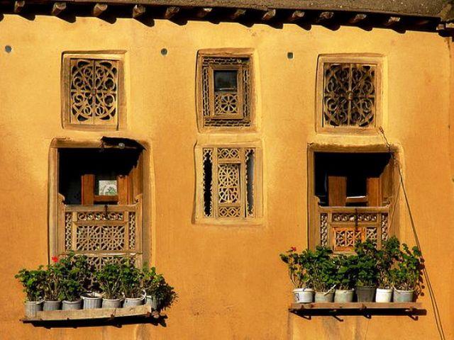 ایرانگردی , درب و پنجره سنتی چوبی