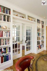 کتابخانه چوبی کلاسیک و میز تحریر