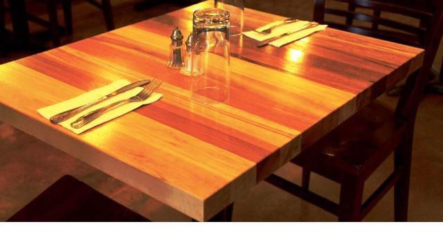 میز تمام چوب رستورانی