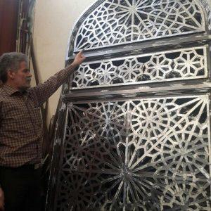 ساخت درب گره چینی فلزی توسط استاد اکرامی