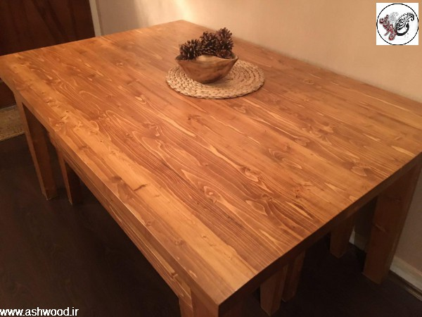 میز چوب کاج روسی به رنگ گردویی روشن