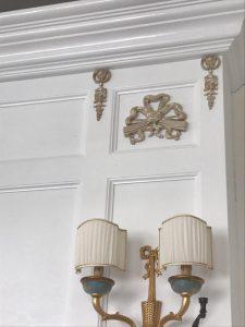 رنگ سفید در سبک کلاسیک و مدرن به همراه طلایی , دکوراسیون کرم طلایی , دکوراسیون طلایی فیروزه ای , دکوراسیون طلایی قهوه ای