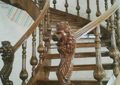 پله چوبی مدور