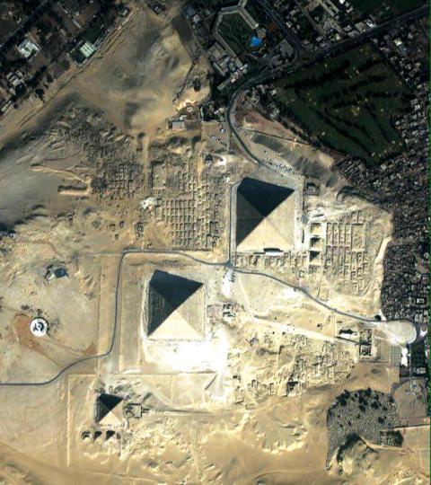 اهرام مصر از ایستگاه فضایی مصر