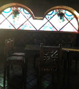 پنجره سنتی گره چینی رستوران و سفره خانه عمارت