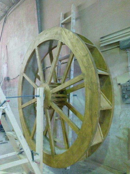 دکوراسیون چوبی ، ساخت درب تمام چوب ، نرده و راه پله ، آسیاب بزرگ چوبی
