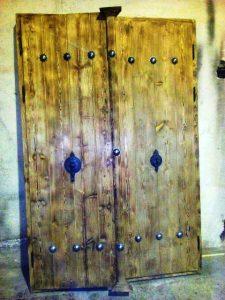 درب قدیمی هنر سنتی ایران زمین