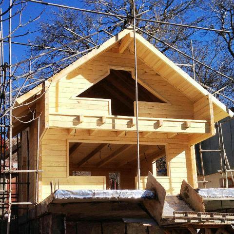 کلبه و سازه های چوبی