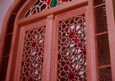طراحی و ساخت درب و پنجره گره چینی اثر استاد چکشی