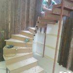 دکوراسیون چوبی ، نمونه کار کف پله چوبی ، نرده و هندریل چوب راش گرجستان