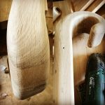 نرده پیچ ، نرده چوبی ، دکوراسیون چوبی ، نمونه کار کف پله چوبی ، نرده و هندریل چوب راش گرجستان
