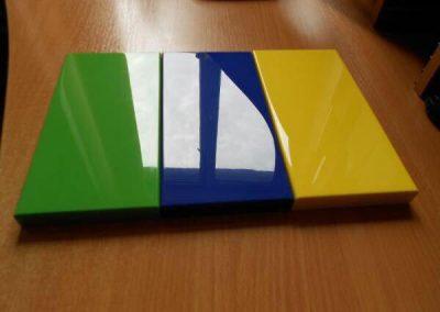 رنگ سفید آبی ، رنگ زرد و گردویی و فندوقی ، پولیشی ، کریستال پلی استر قابل ترمیم