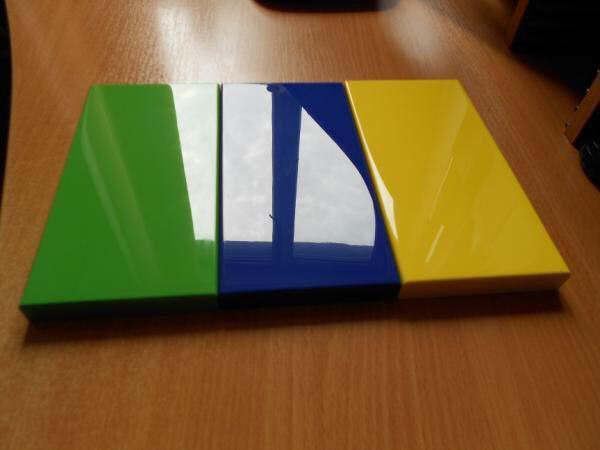 رنگ براق پلی استر پولیش در دکوراسیون لوکس