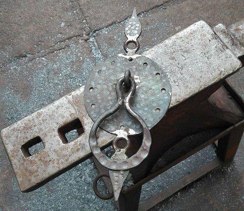 آهنگری و چلنگری , مجموعه تصاویر از یک کارگاه آهنگری در تهران