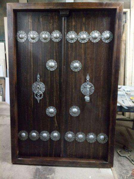 یراق الات دست ساز قدیمی , طراحی و ساخت انواع درب و یراق قدیمی ، چلنگری و ارسی سازی , گره چینی با شیشه رنگی